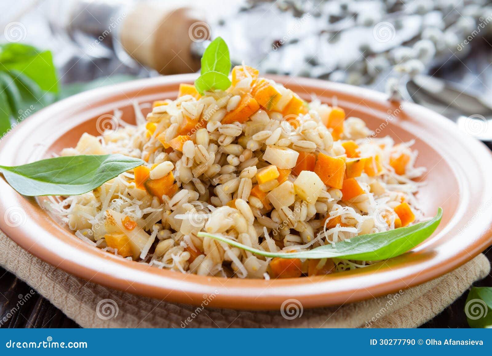 在板材的大麦粥有用为健康