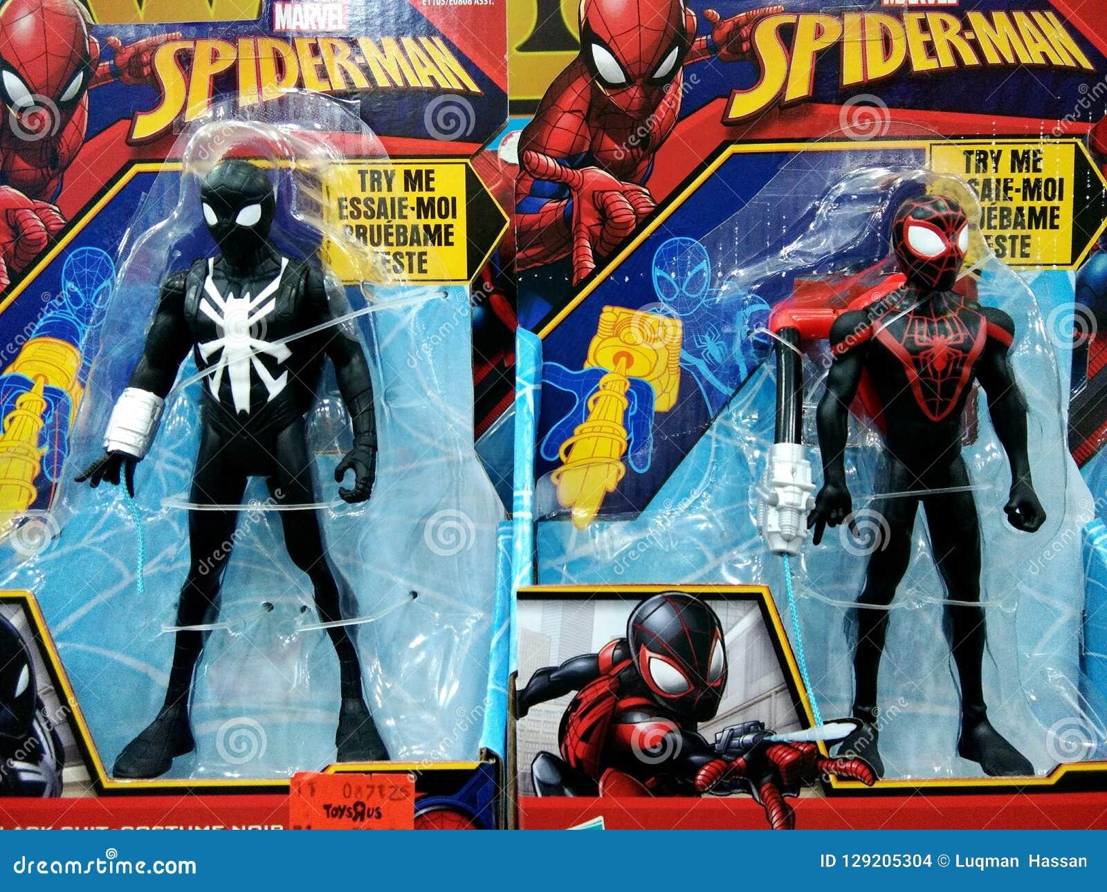 在架子的蜘蛛人玩具在购物中心