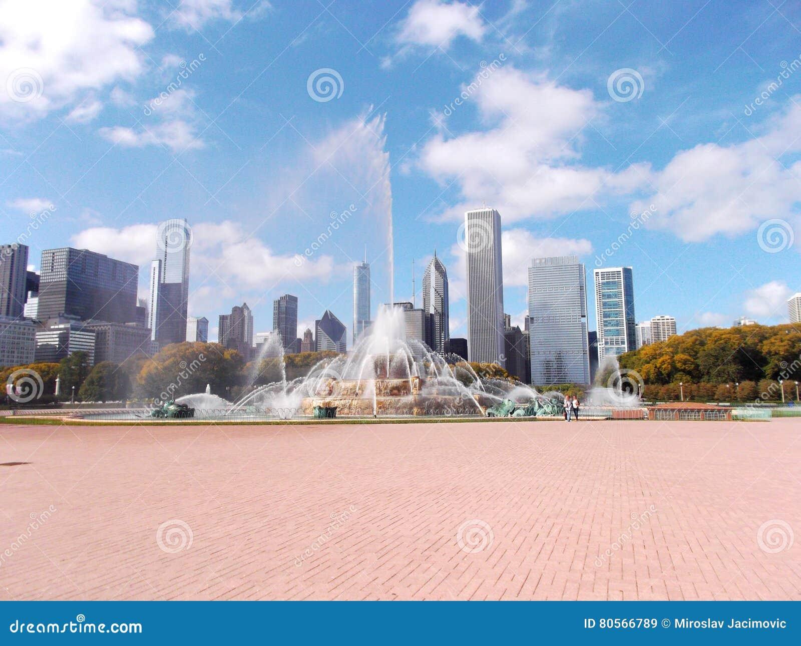 在格兰特公园的白金汉喷泉在芝加哥,美国