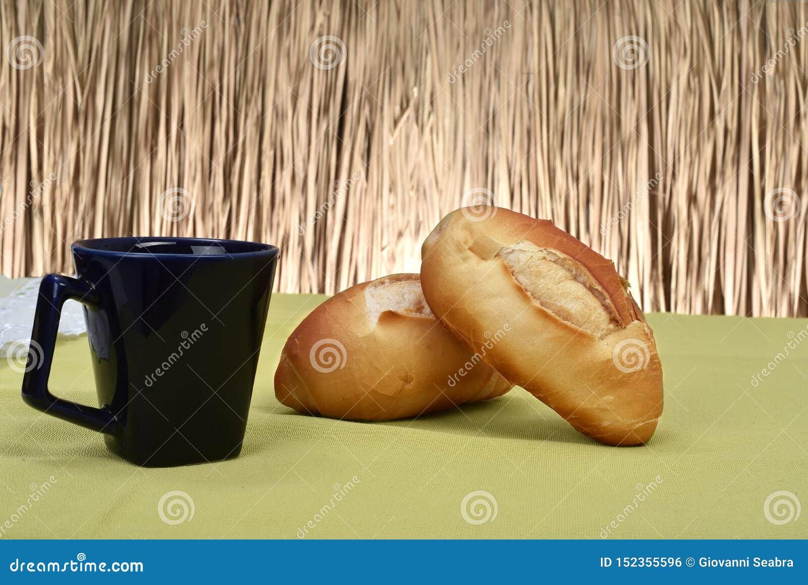 在桌上烤的法式面包