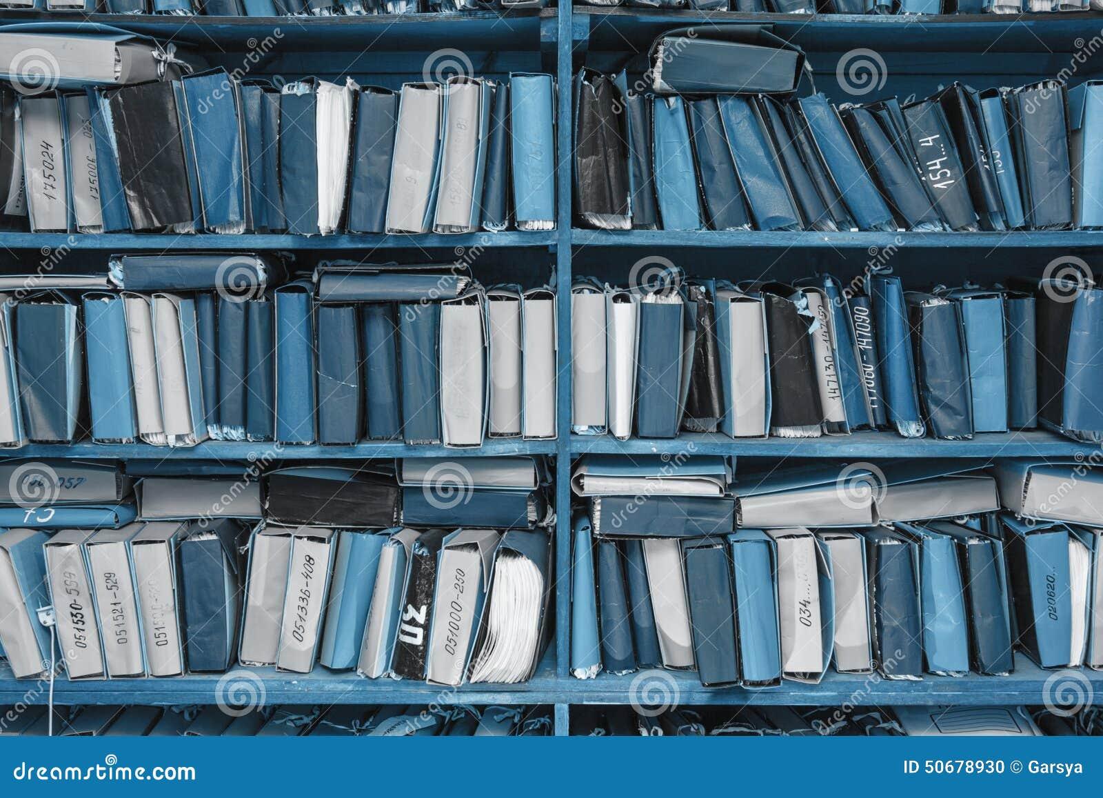 Download 在档案里堆积的纸张文件 库存照片. 图片 包括有 管理, 搜索, 命令, 架子, 研究, 存放处, 存贮 - 50678930