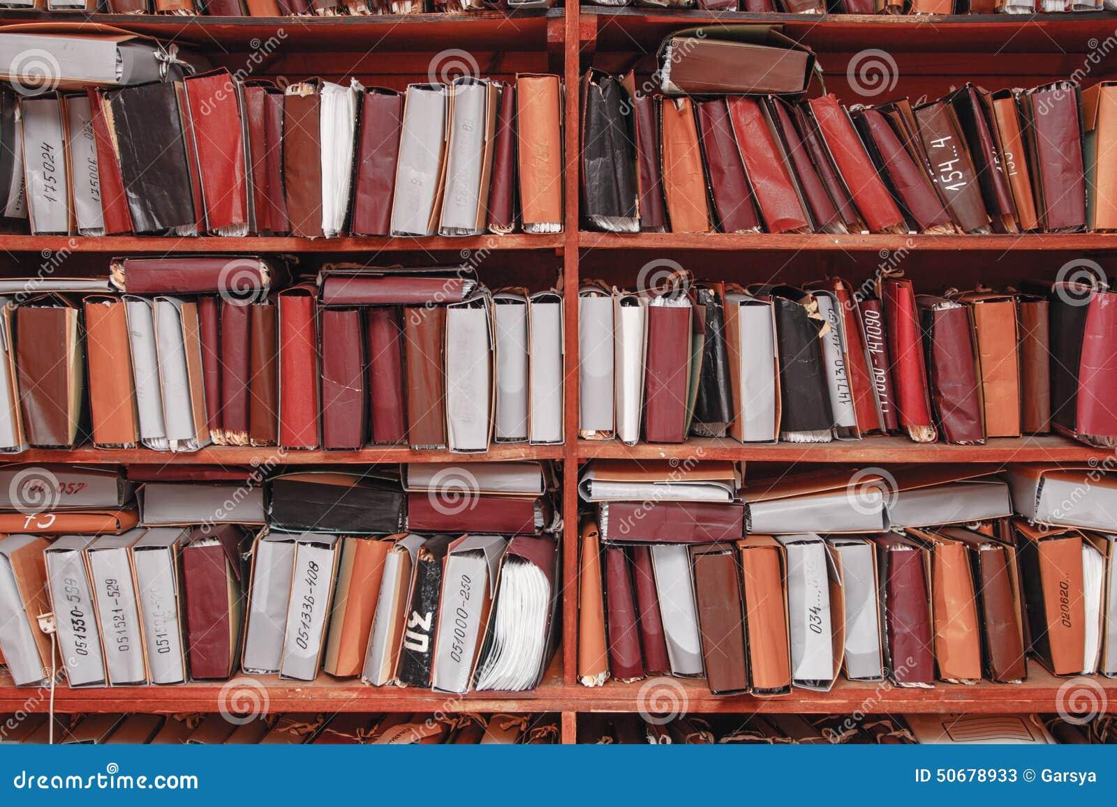 Download 在档案里堆积的纸张文件 库存图片. 图片 包括有 管理, 命令, 记录, 历史记录, 组织, 保留, 存放处 - 50678933