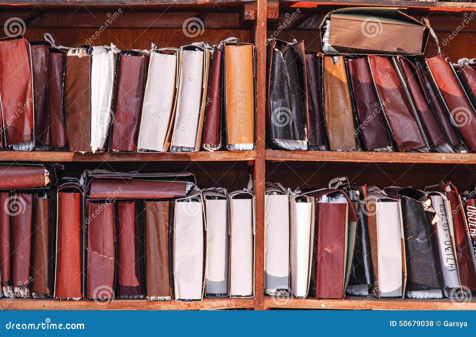 Download 在档案里堆积的纸张文件 库存照片. 图片 包括有 保留, 办公室, 专门技术, 工作, 架子, 组织, 学习 - 50679038