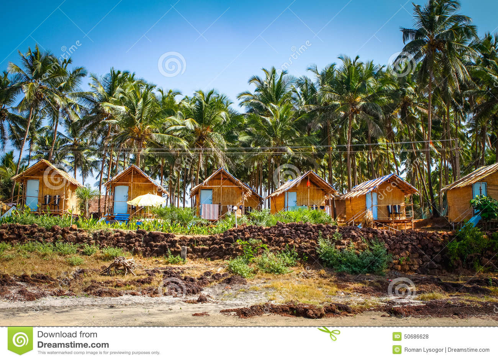 Download 在棕榈树中的平房 编辑类库存照片. 图片 包括有 户外, 放松, 旅行, 天空, 国家(地区), 平房, 掌上型计算机 - 50686628