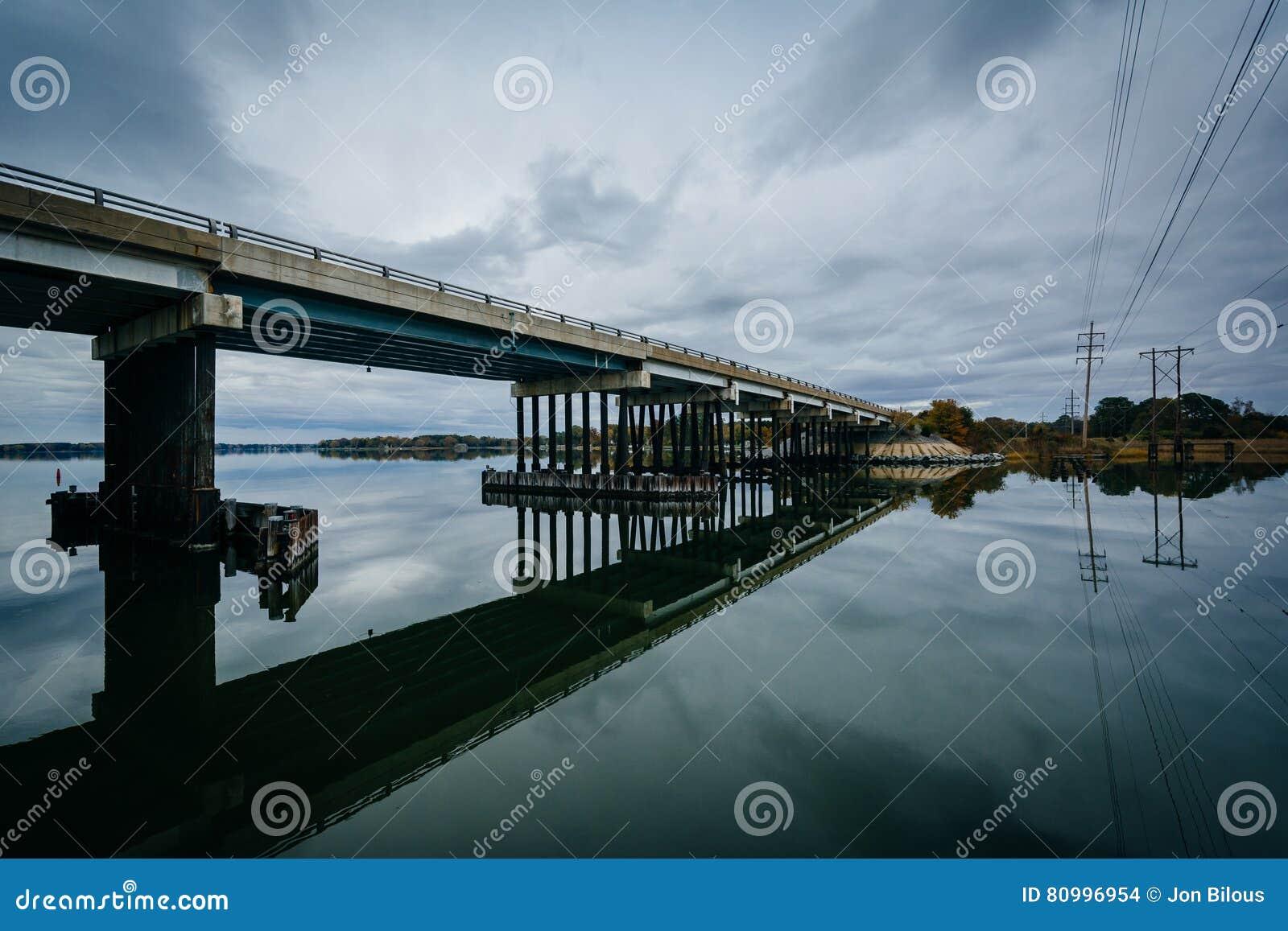在橡木小河着陆的桥梁,在纽科姆,在圣Michaels附近,玛丽