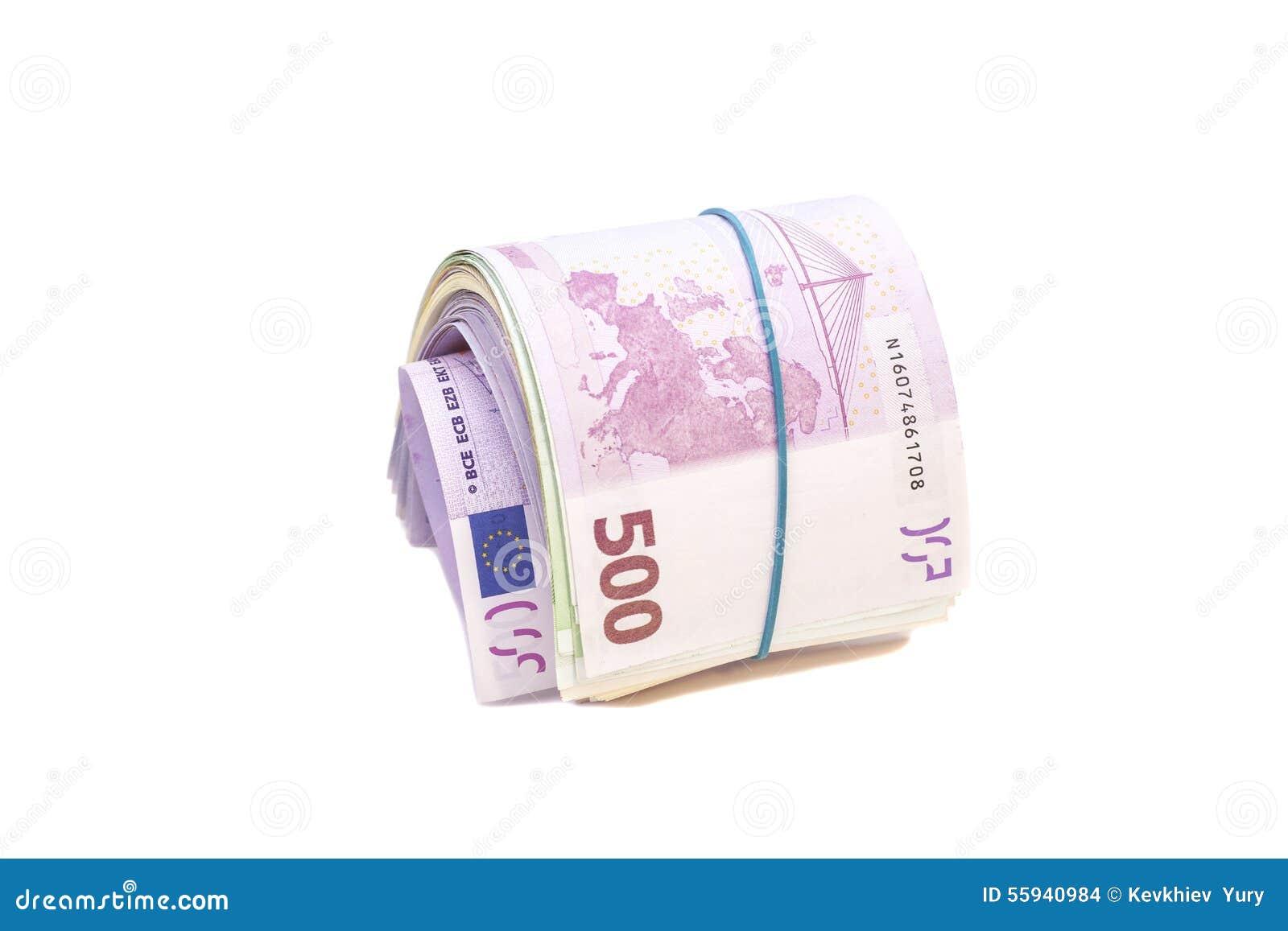 在橡皮筋儿下的五张第百张欧洲钞票