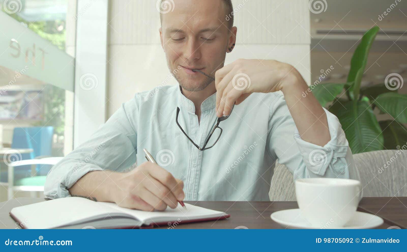 在每日计划者的商人文字,日志