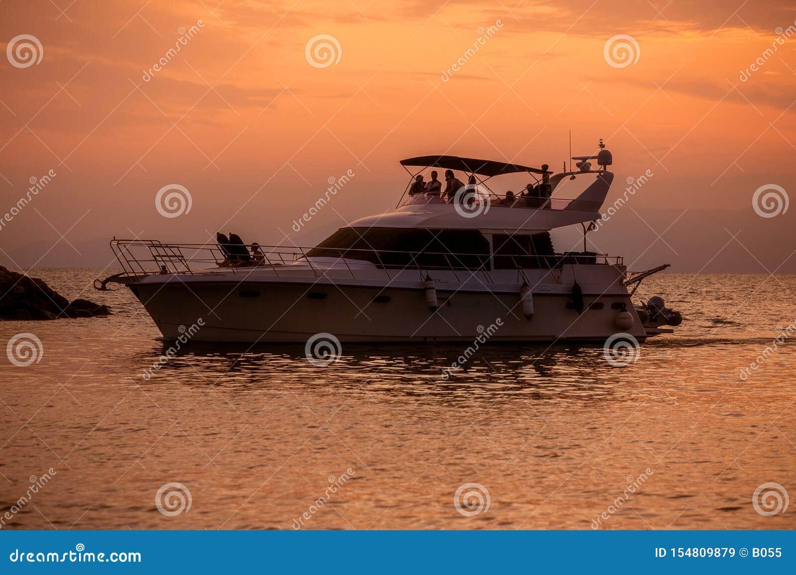 在水的小船