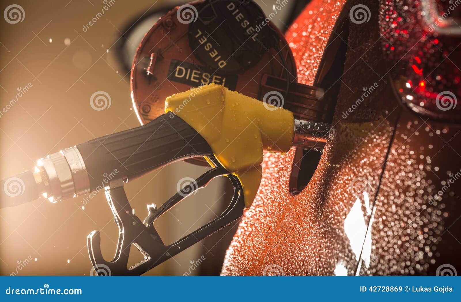 在汽车的汽油分配器