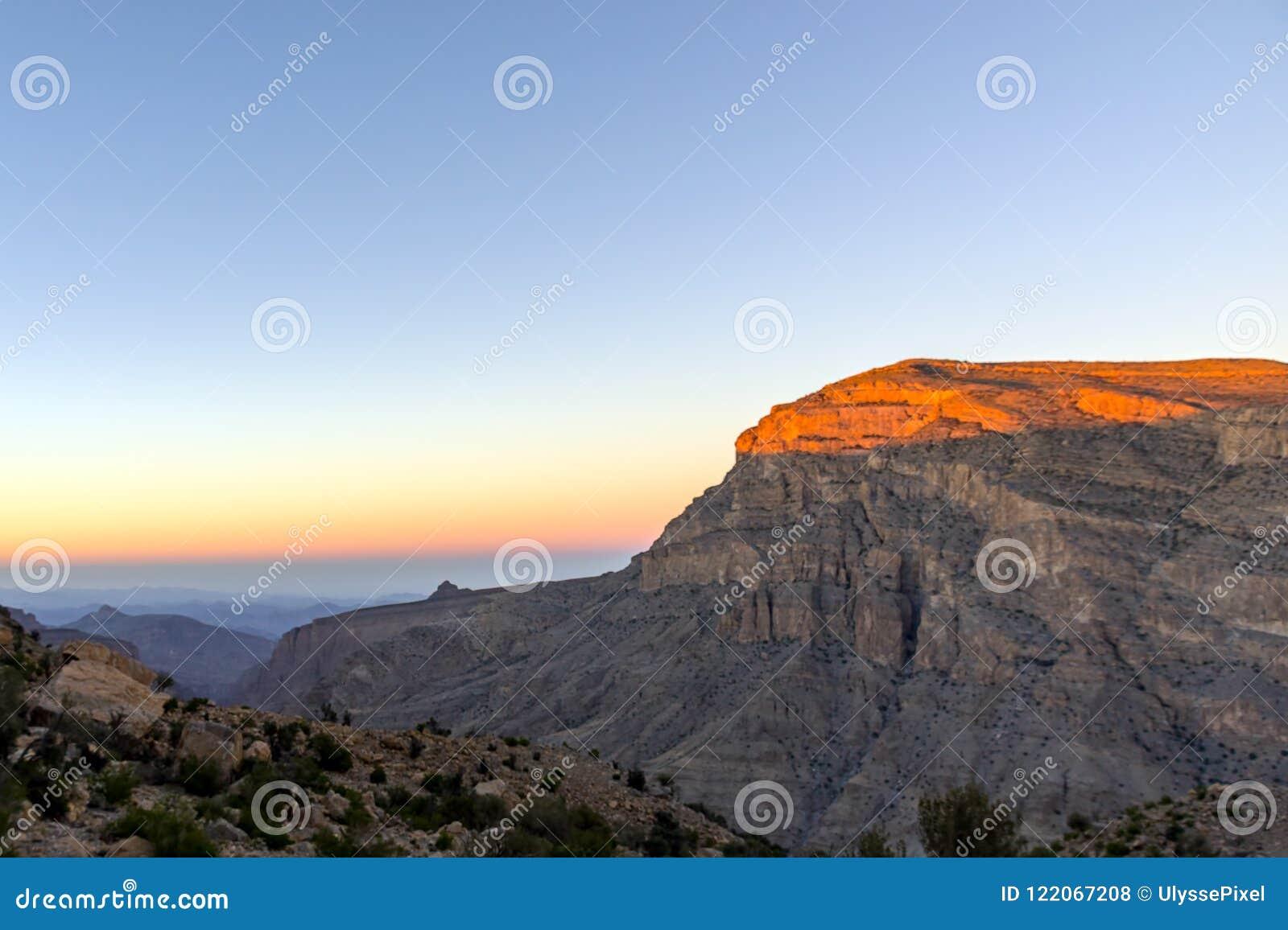 在沙姆山-阿曼的日落