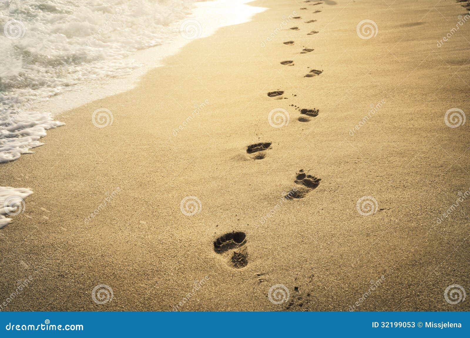 在沙子的脚印