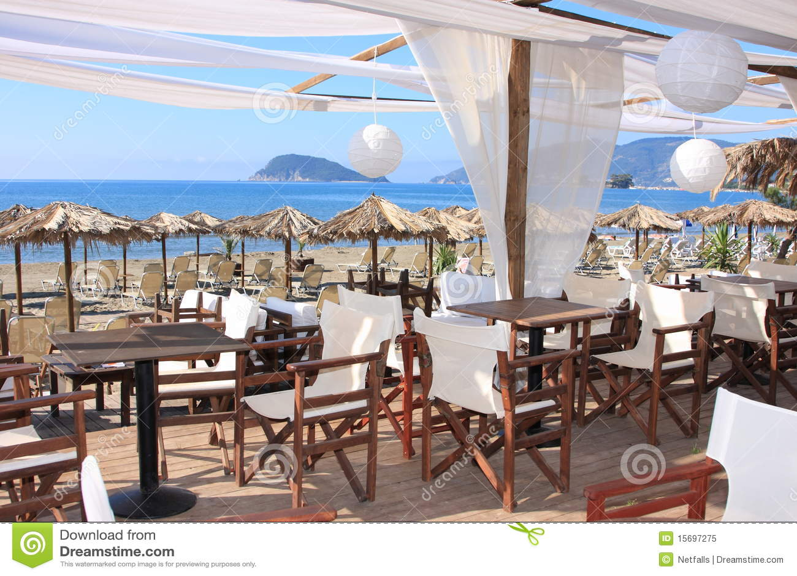 在海滩的咖啡馆