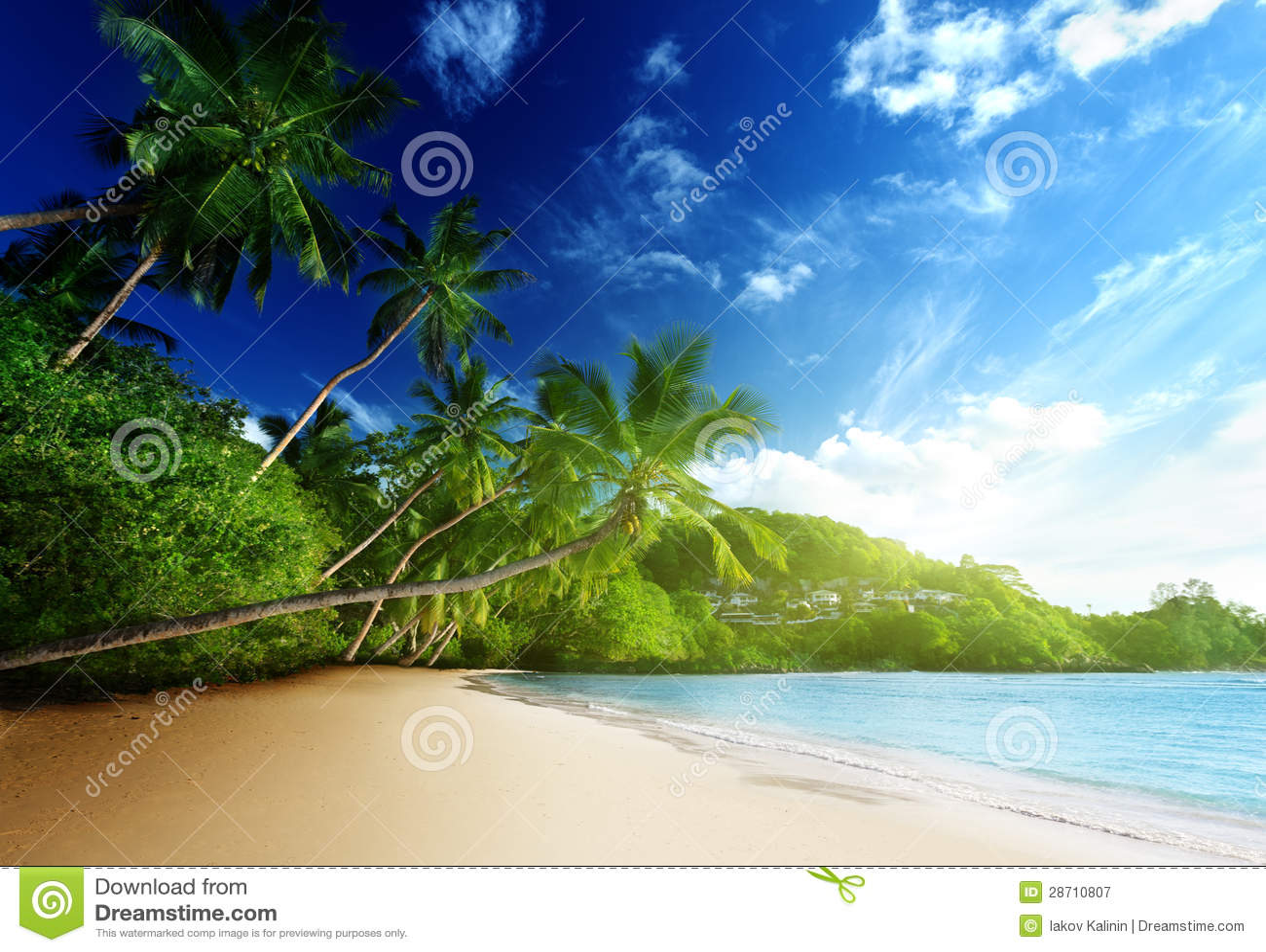 在海滩, Mahe海岛,塞舌尔群岛的日落