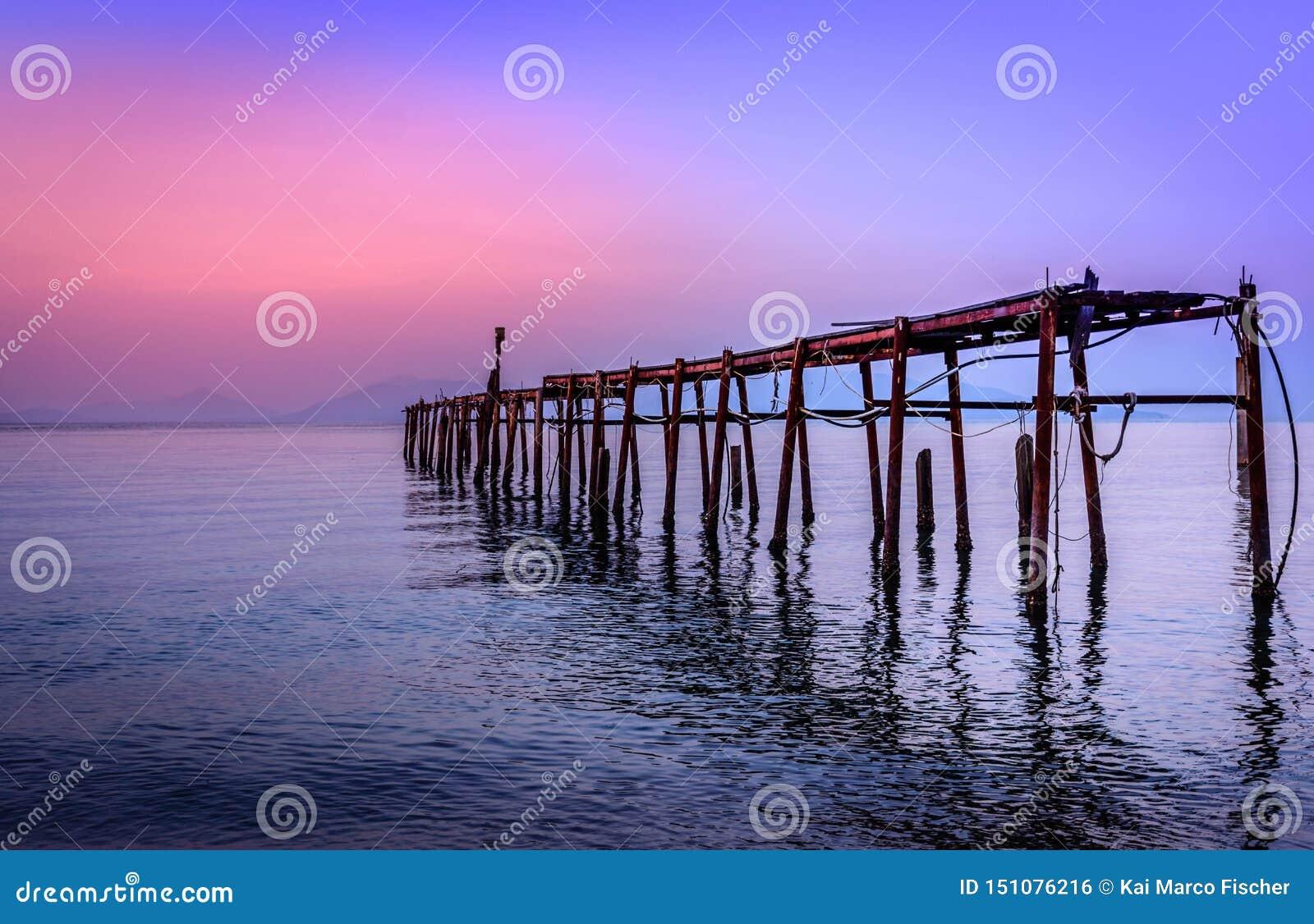 在海的日落,酸值苏梅岛/泰国