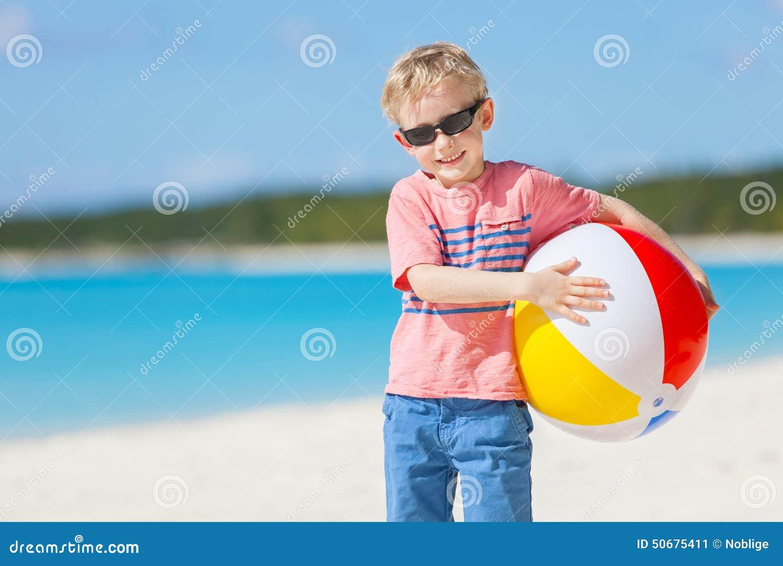 Download 在海滩的孩子 库存图片. 图片 包括有 白种人, 嬉戏, 加勒比, 童年, 男朋友, 外面, 放血, 喜悦 - 50675411