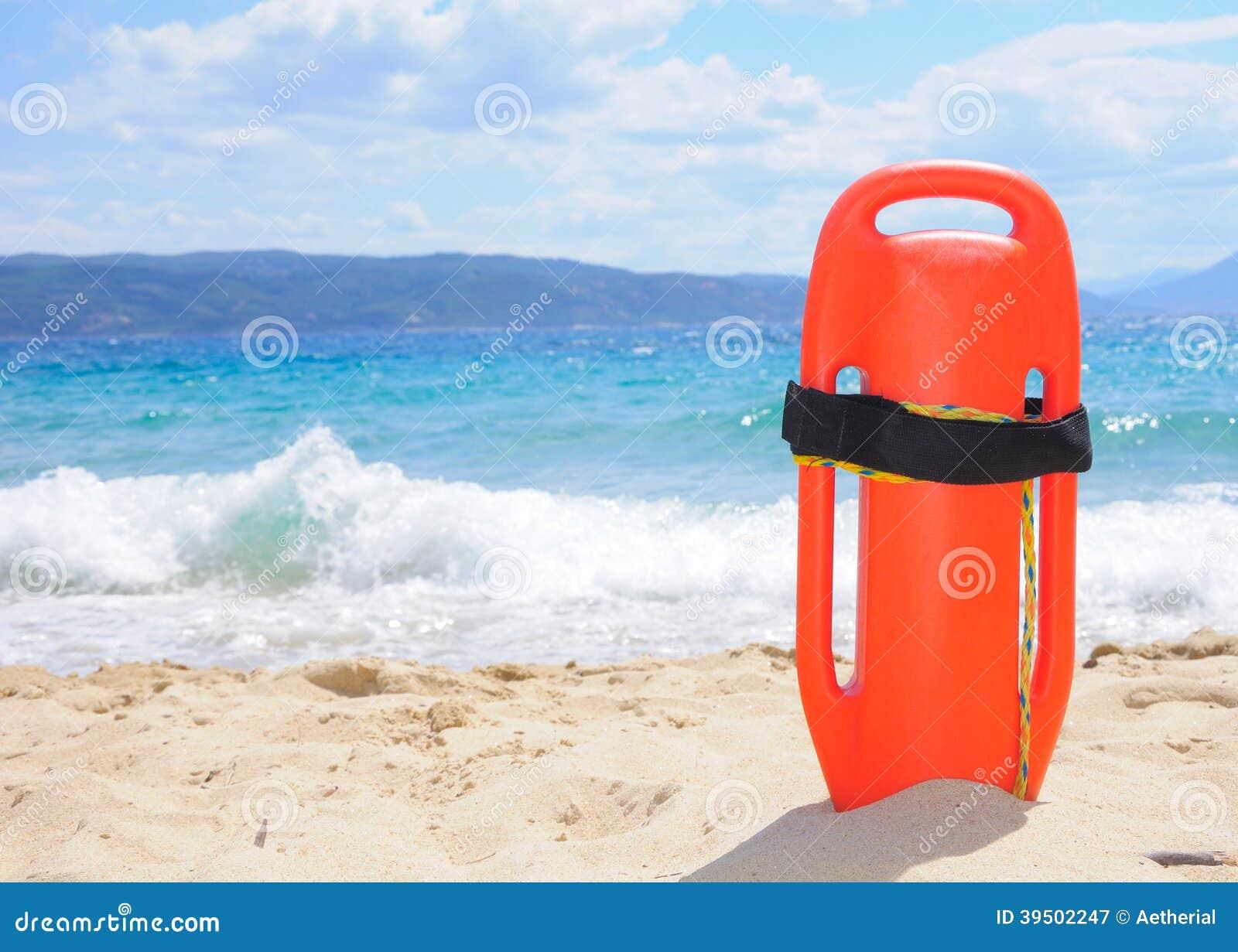 在海滩的救生员的浮体