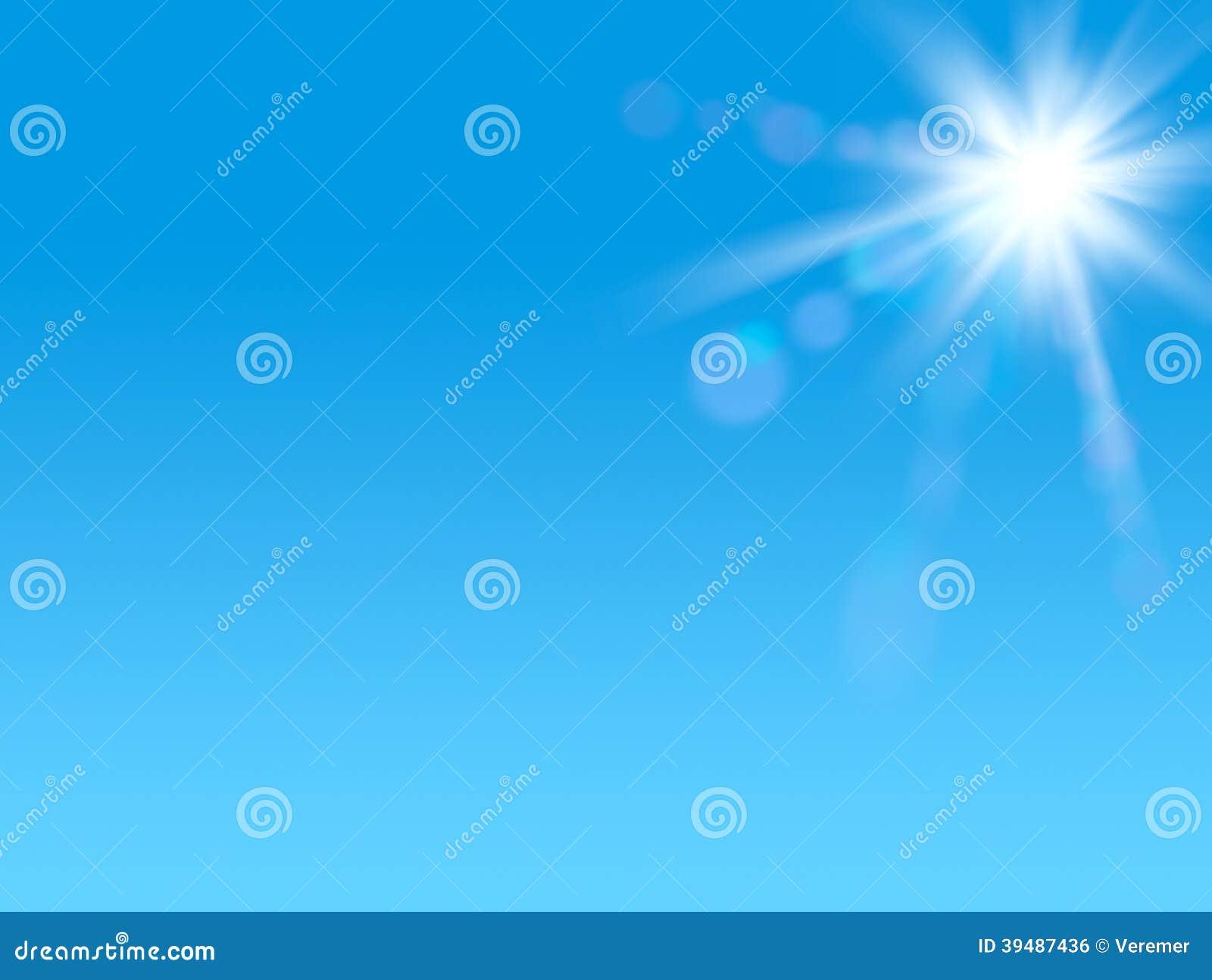 在清楚的蓝天的光亮的太阳与拷贝空间