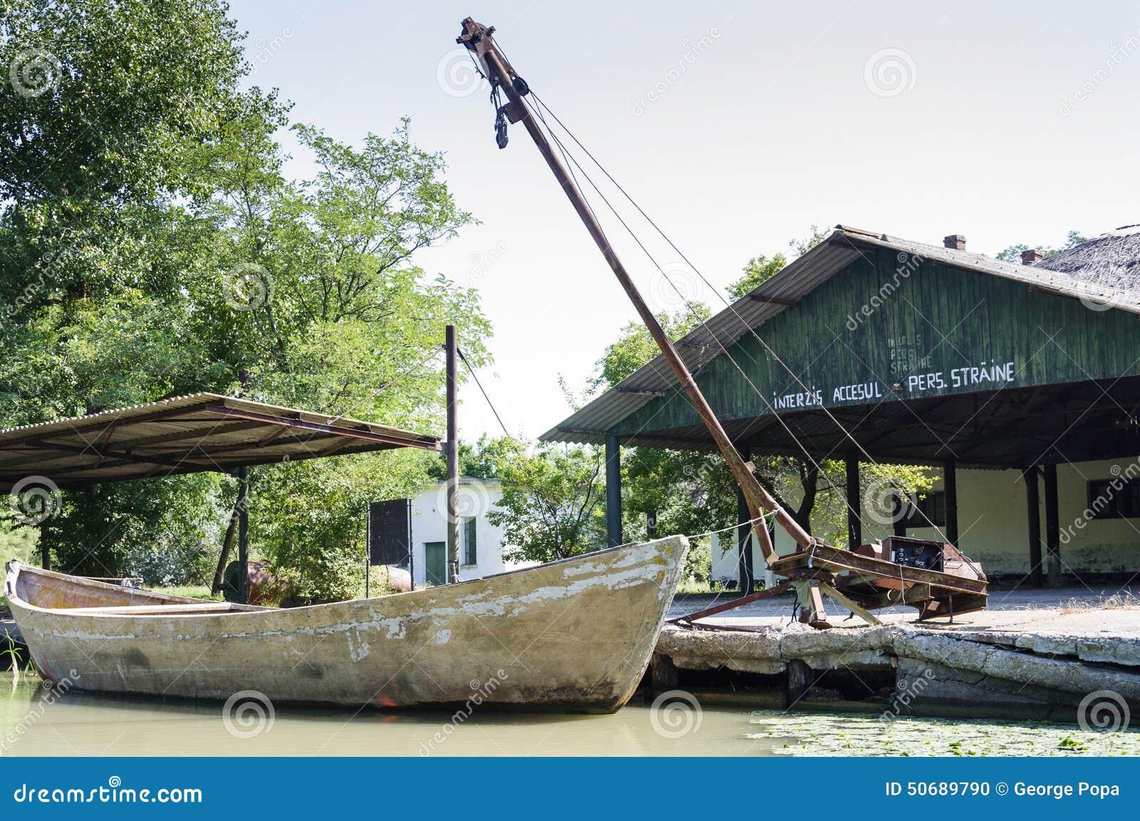 Download 在渔场的传统小船 库存照片. 图片 包括有 delta, 木头, 土气, 农村, 国家(地区), 小船, 传统 - 50689790