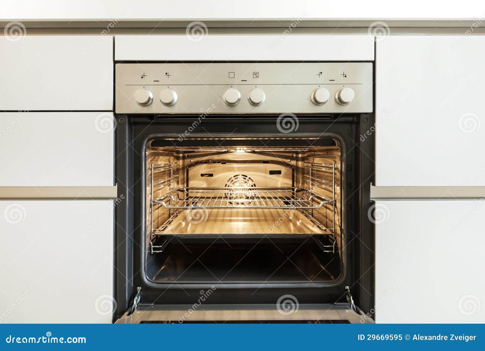 在烤箱里面