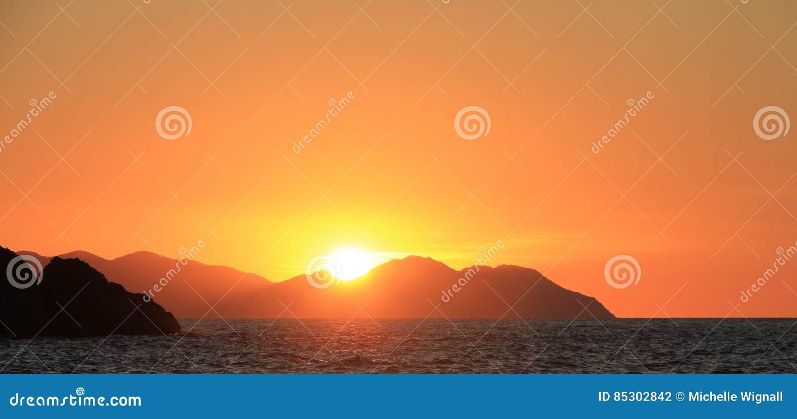 在热带海岛Whitsundays昆士兰的日落