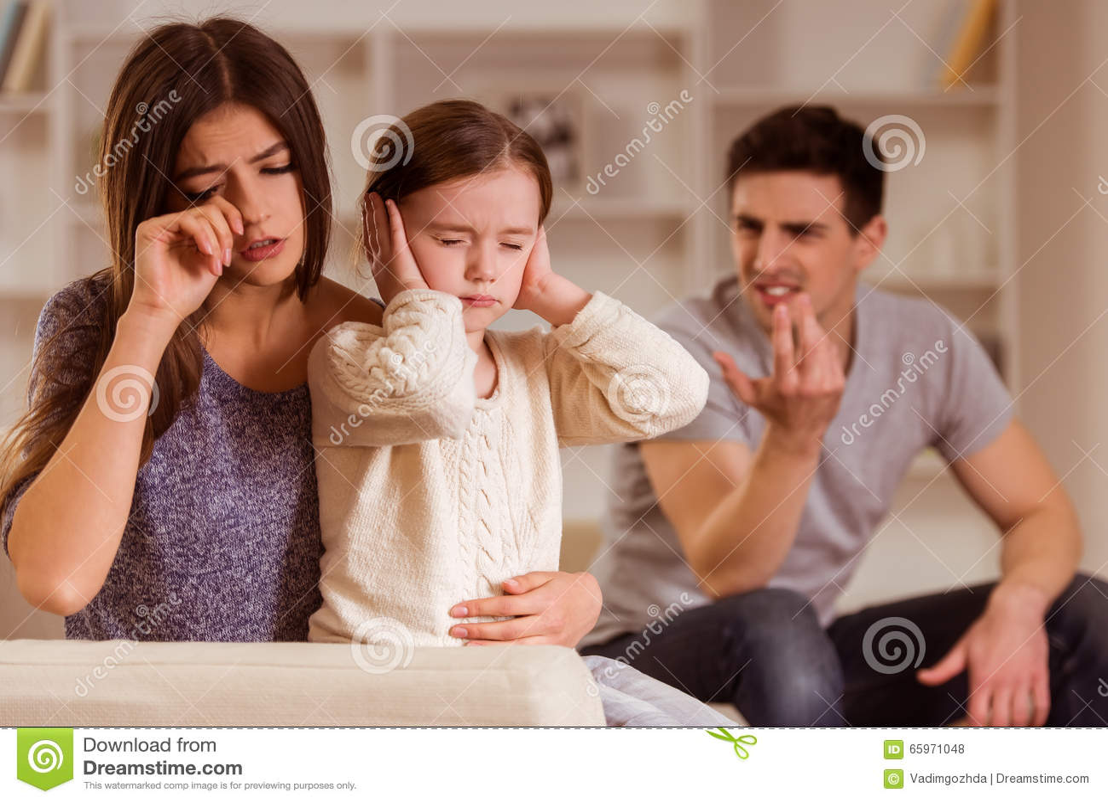 在父母之间的争吵