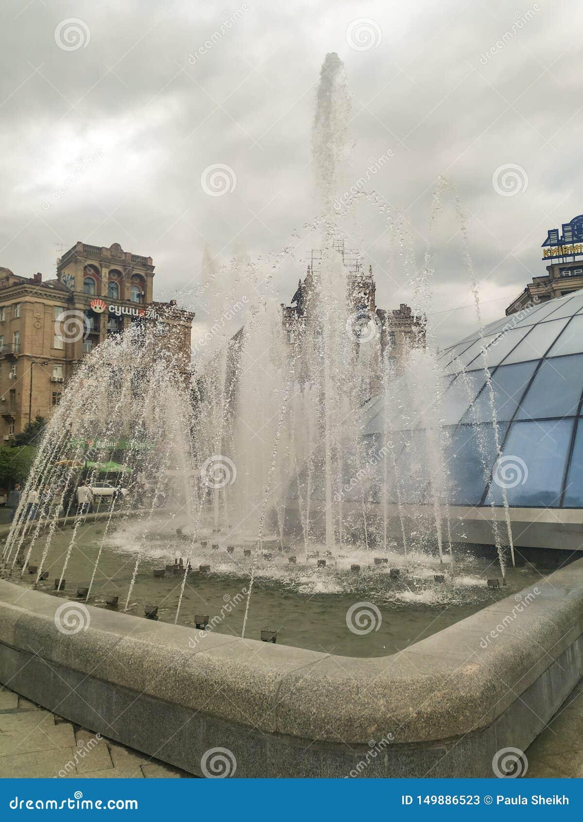 在独立广场的喷泉|基辅,乌克兰