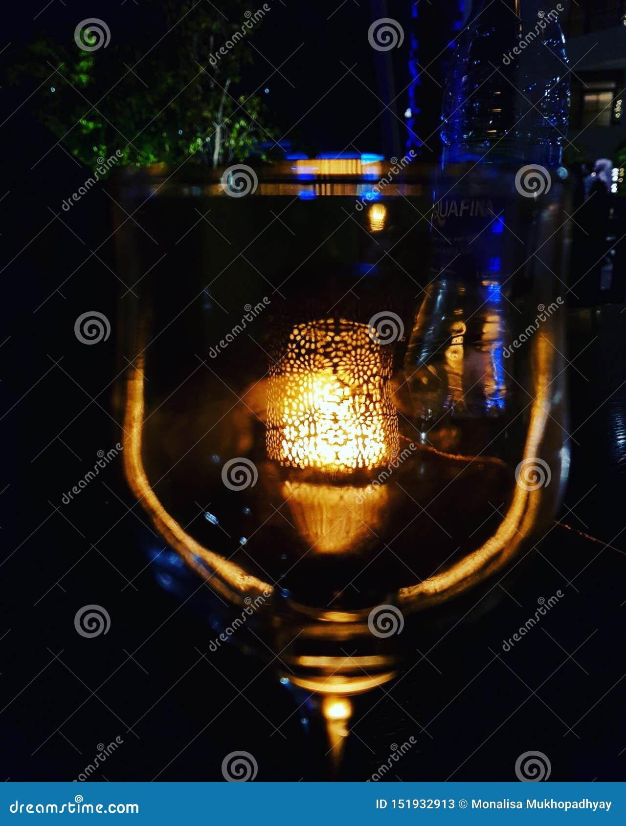 在玻璃的光