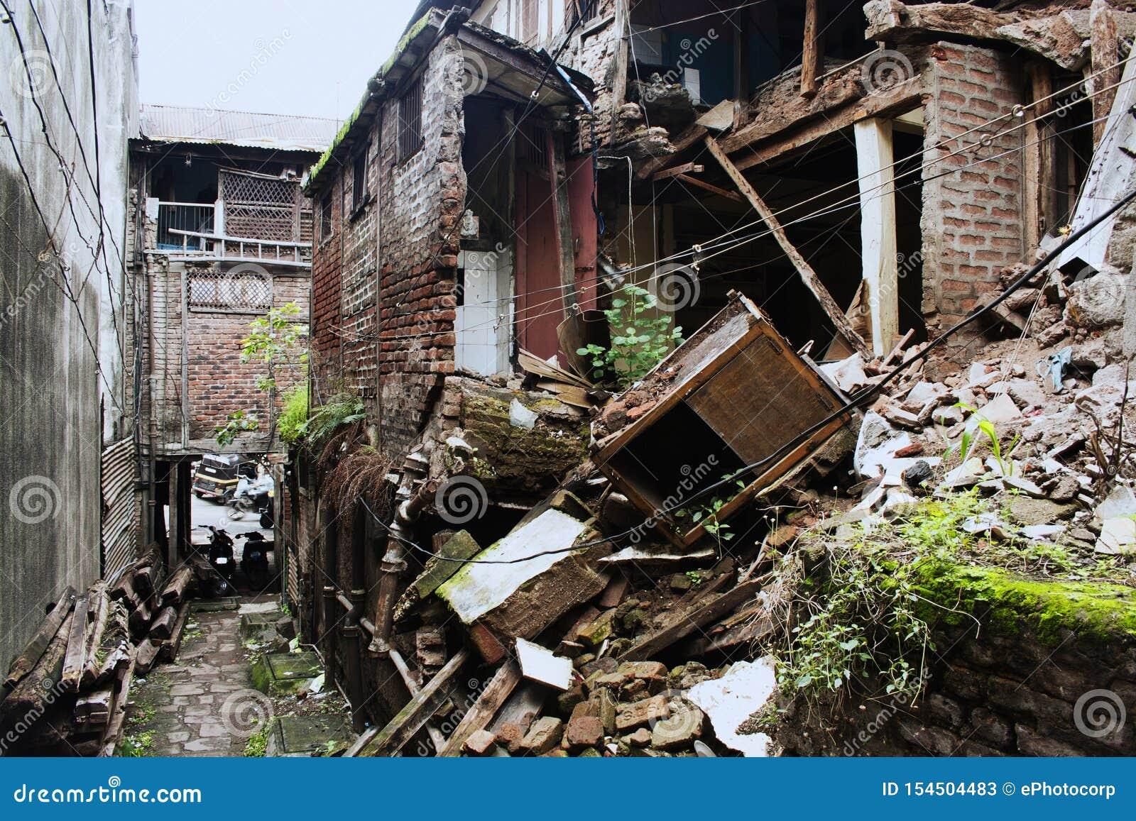 在瓦达队的老修造的外部在浦那,印度