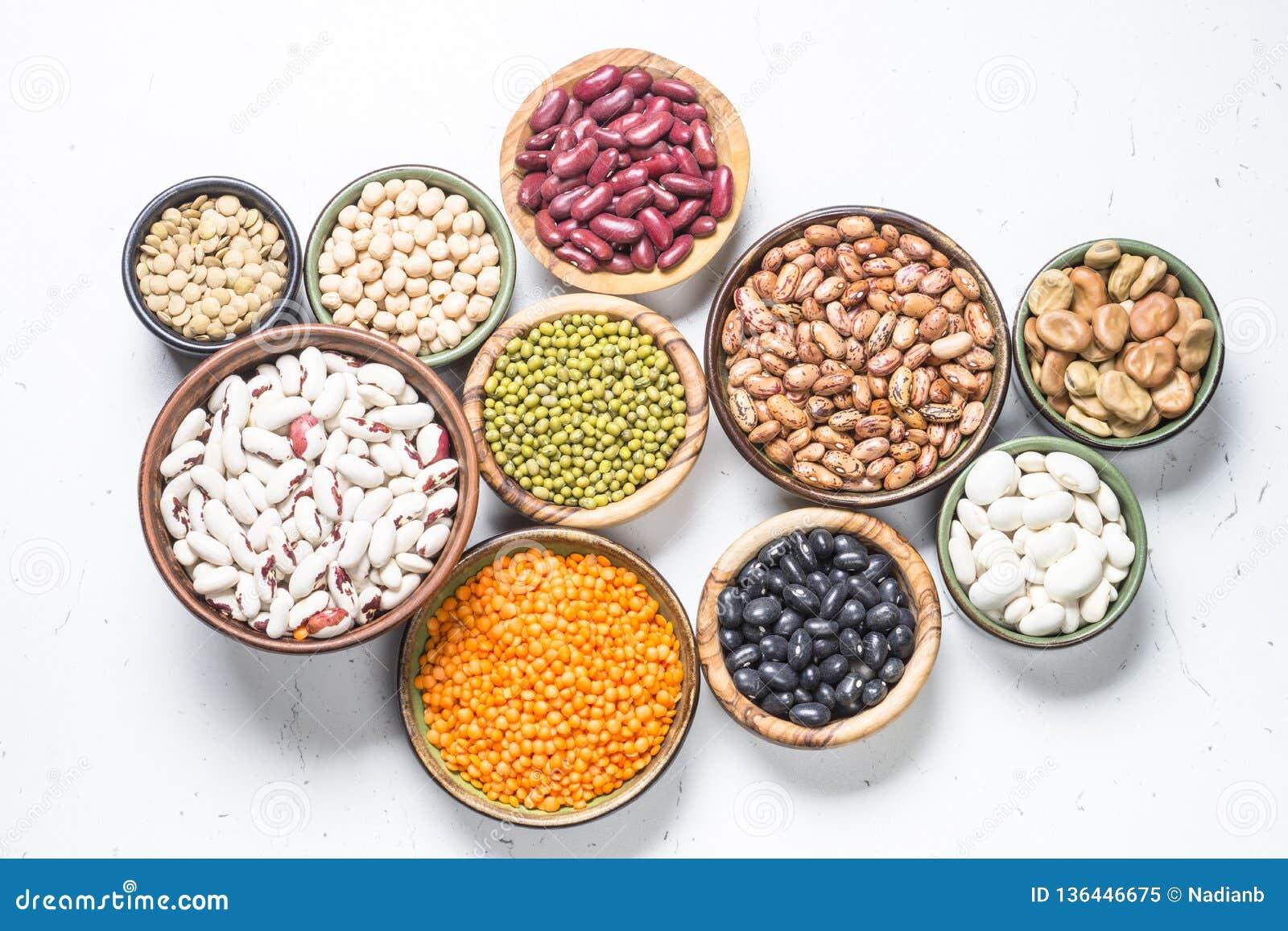 豆类大全_在白色的豆类、扁豆、chikpea和豆分类 库存图片. 图片 包括有 ...