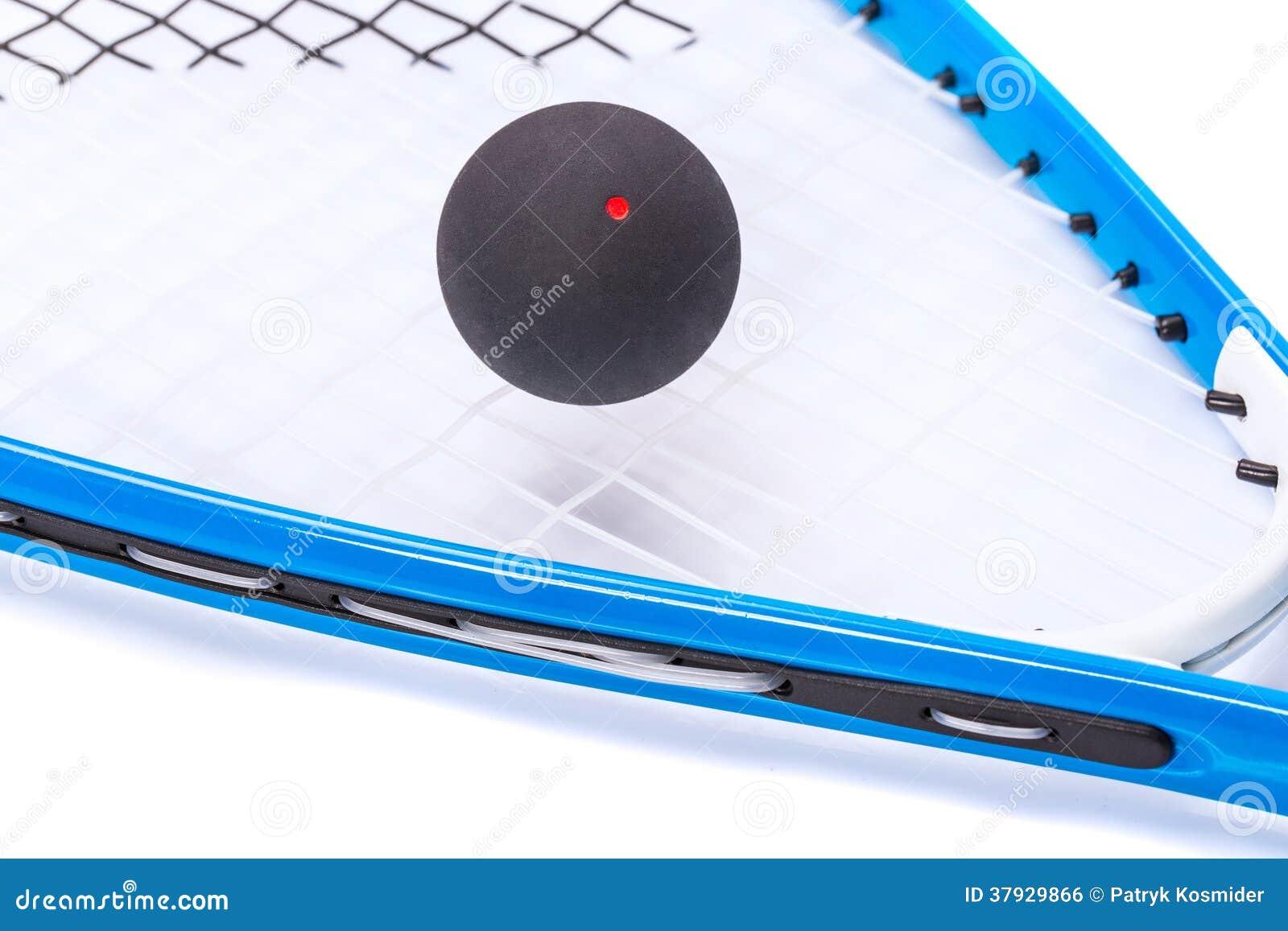 在白色的软式墙网球