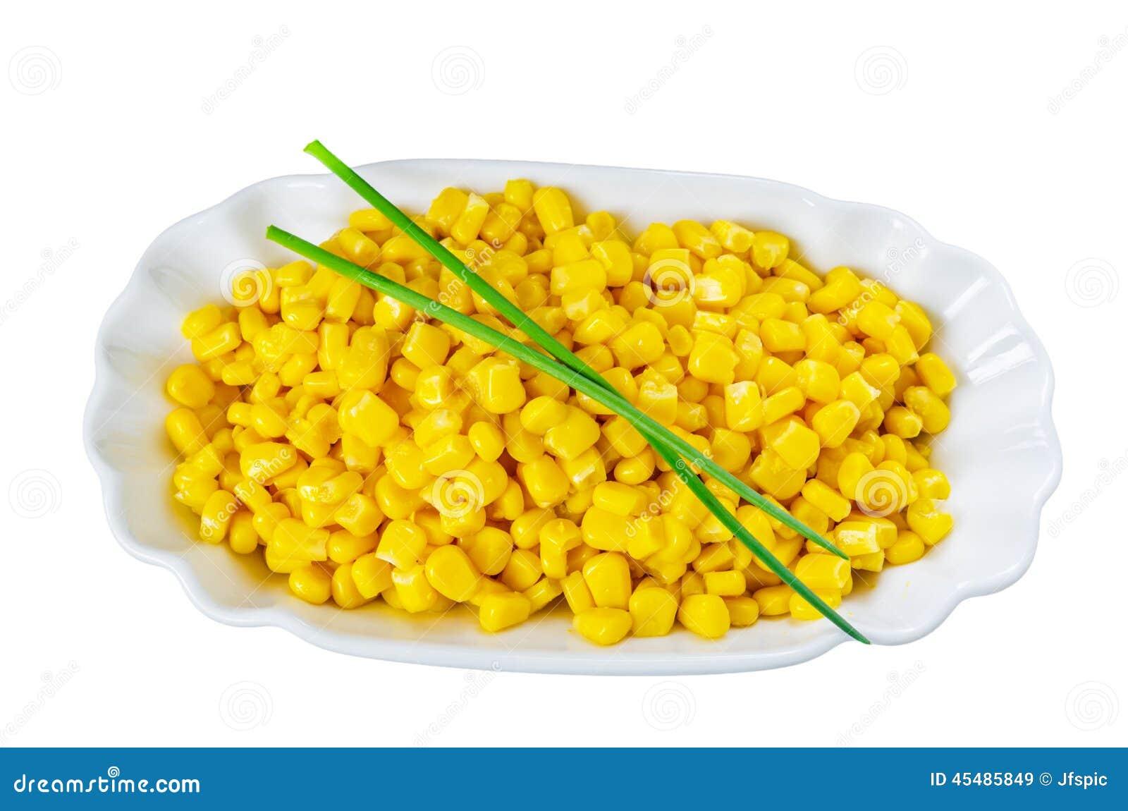 在白色碗的玉米五谷