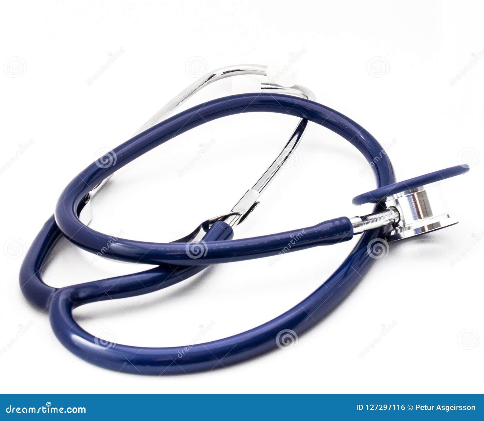 在白色被隔绝的背景的蓝色听诊器