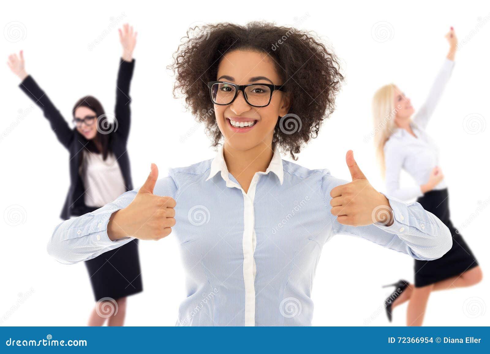 在白色隔绝的愉快的快乐的女商人画象