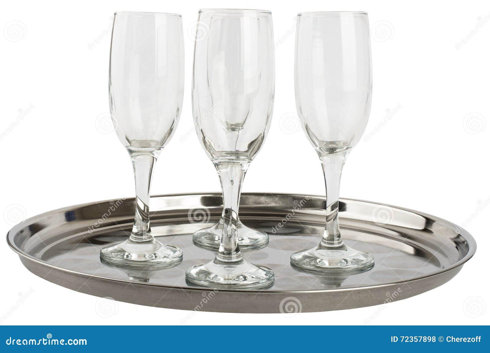 在盘子的许多香槟玻璃