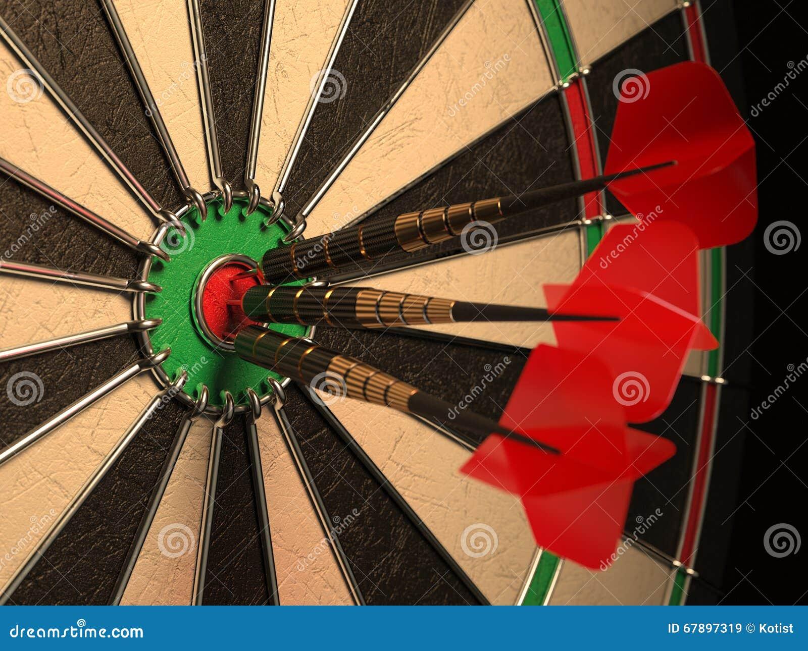 在目标中心投掷箭头