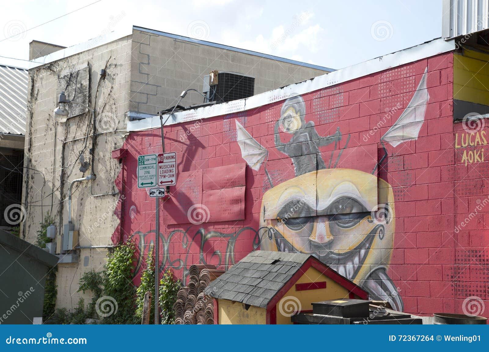 在砖墙上的街道画