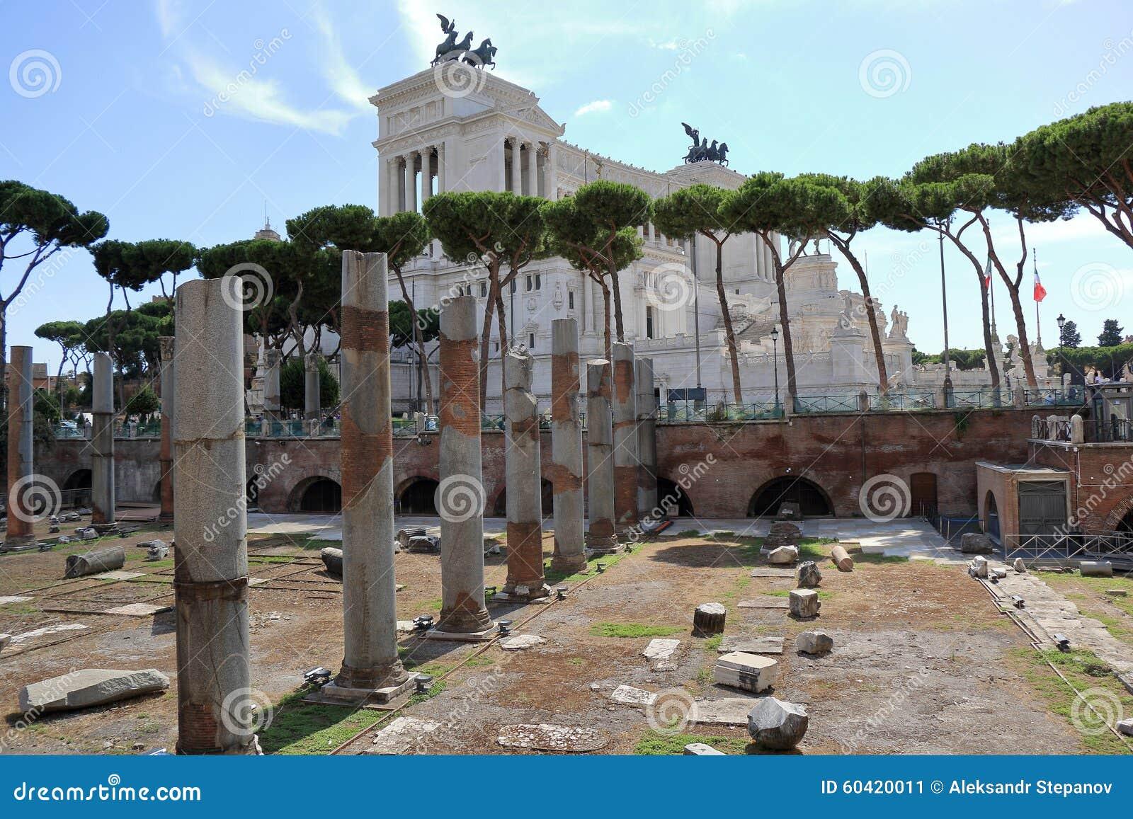 在科隆纳Traiana附近的废墟在罗马
