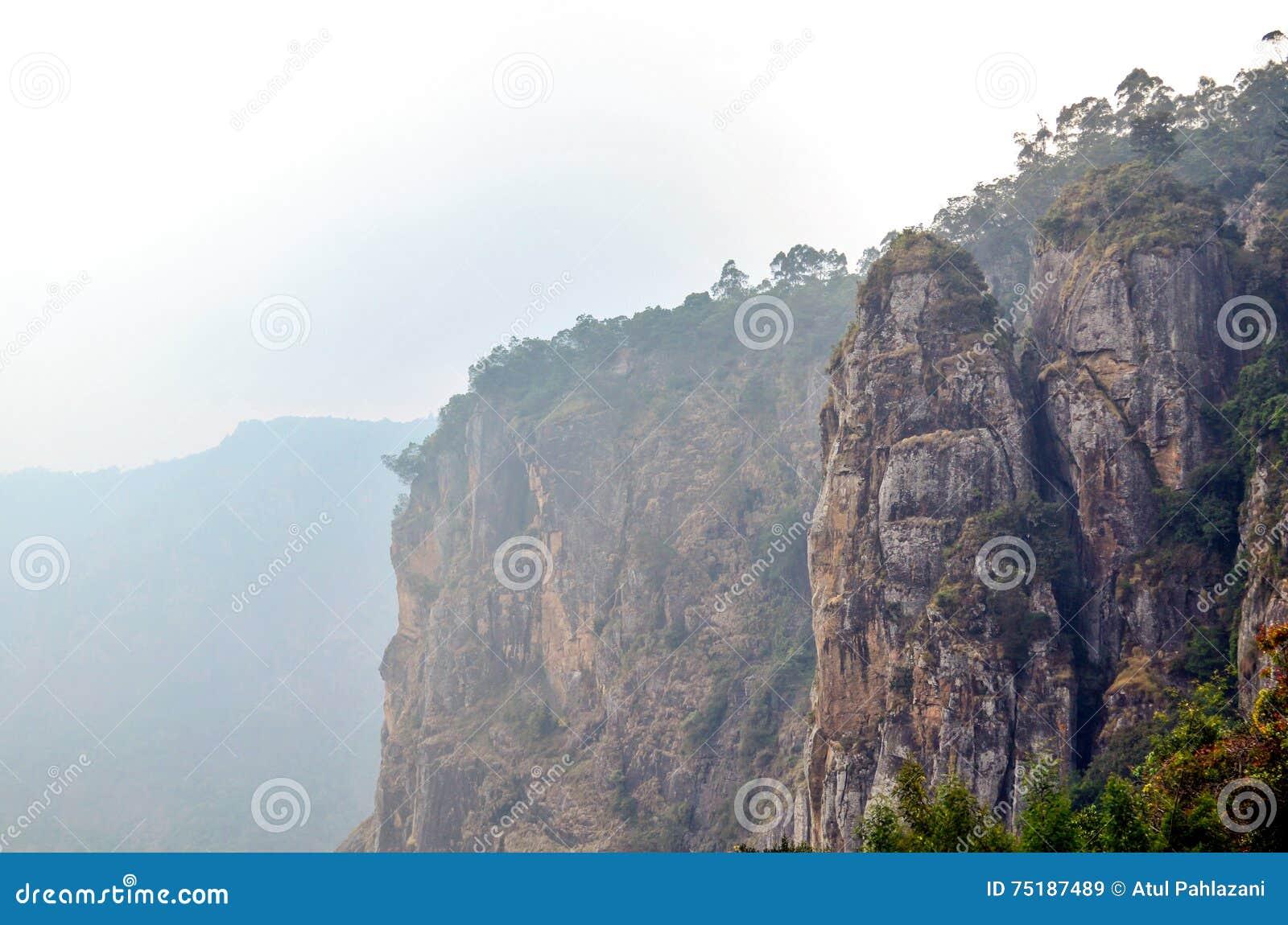 在科代卡纳尔的柱子岩石