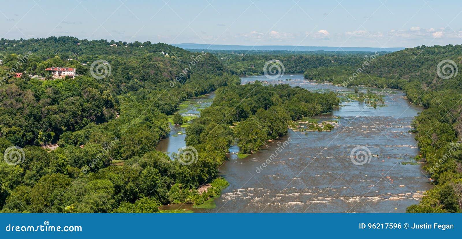 在竖琴师轮渡,从马里兰高度的西维吉尼亚鸟瞰图附近的波托马克河