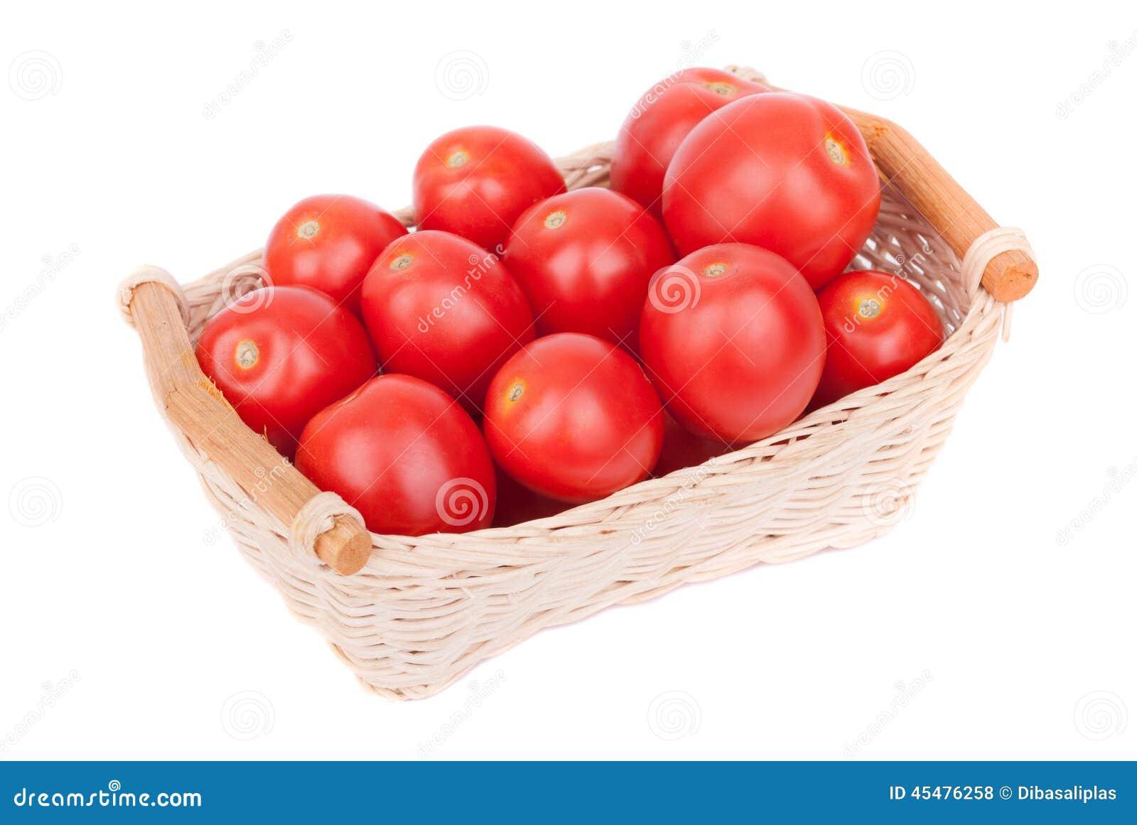 在篮子的红色蕃茄