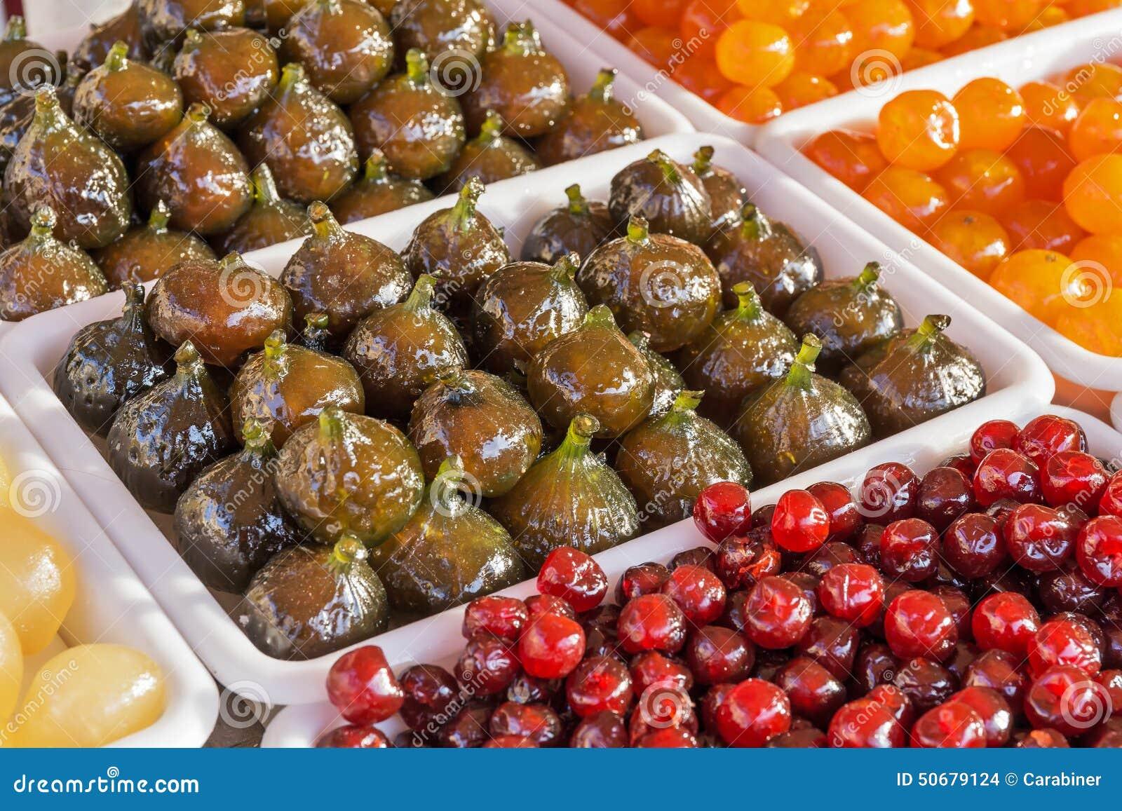Download 在糖浆烹调的果子 库存照片. 图片 包括有 berrying, 成份, 新鲜, 糖煮, 健康, 烹调, 鲜美 - 50679124