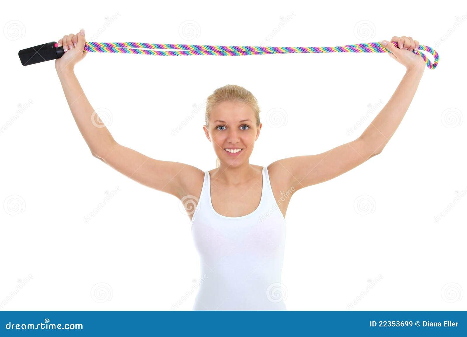 在绳索跳过的白人妇女