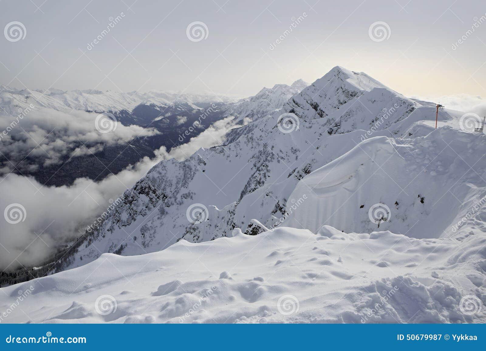 Download 在罗莎Khutor高山手段的高峰石柱子 库存图片. 图片 包括有 横向, 旅游业, 休闲, 本质, 俄国 - 50679987