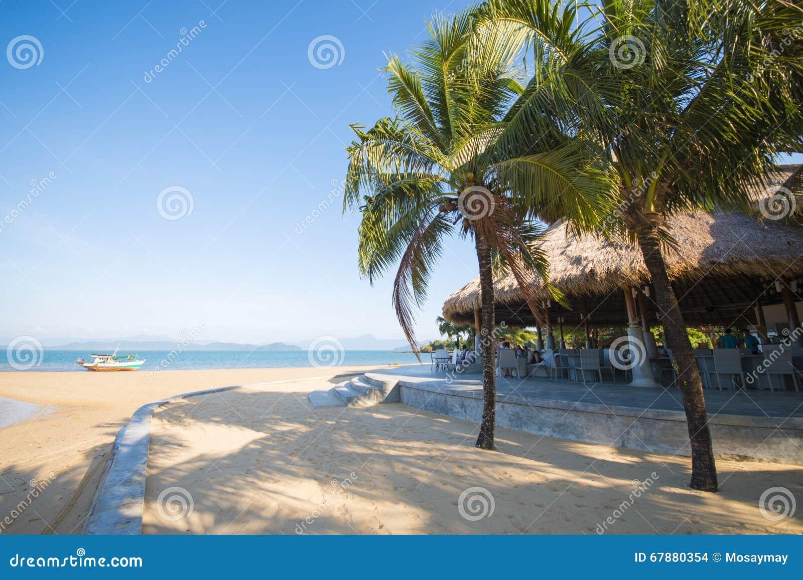 在美丽的海岛上的手段和平安