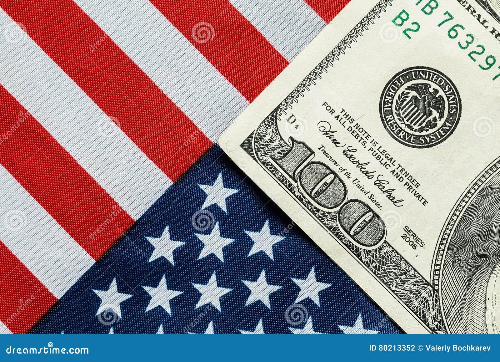 在美国国旗的美国美元