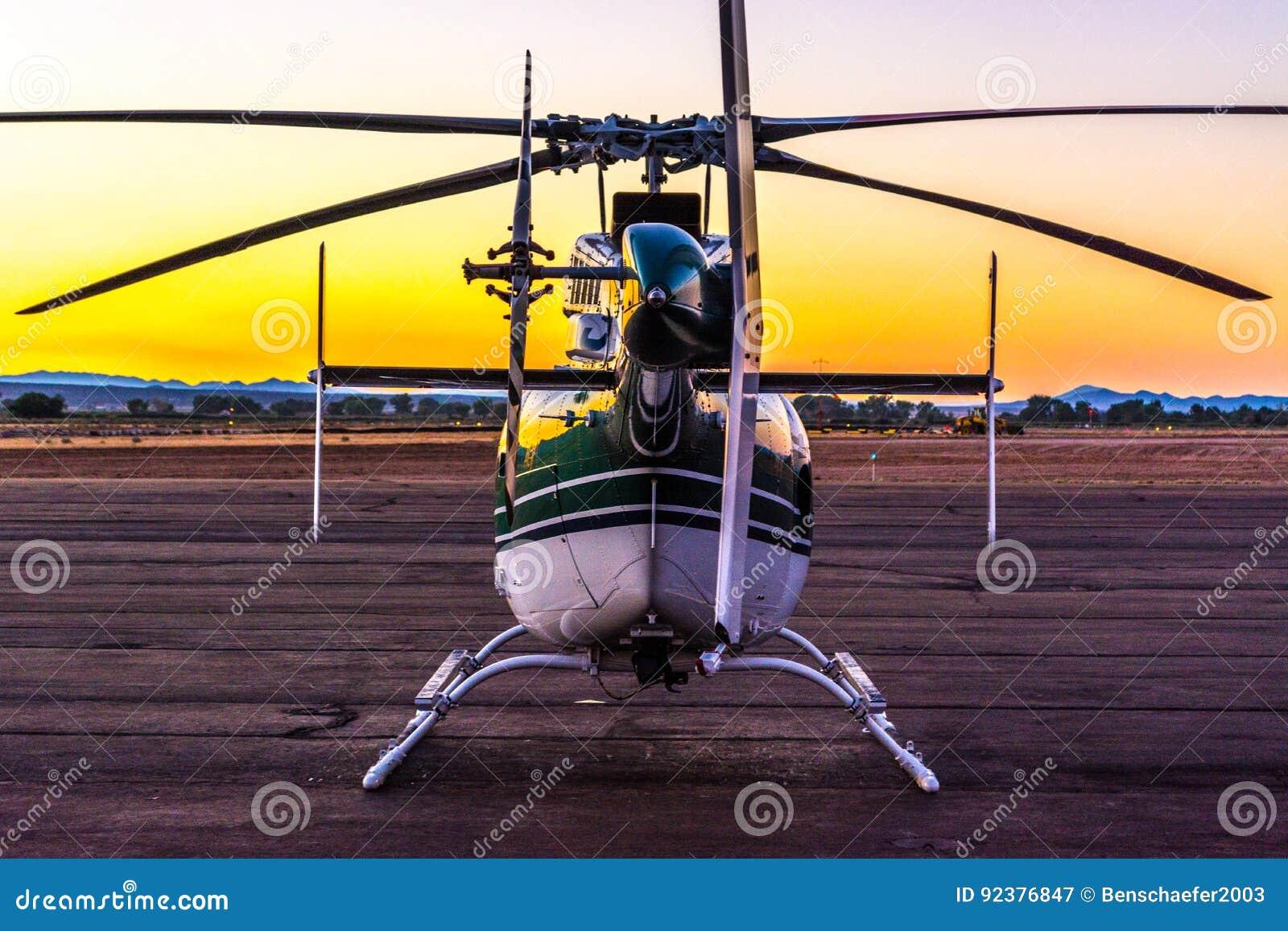 在舷梯的直升机