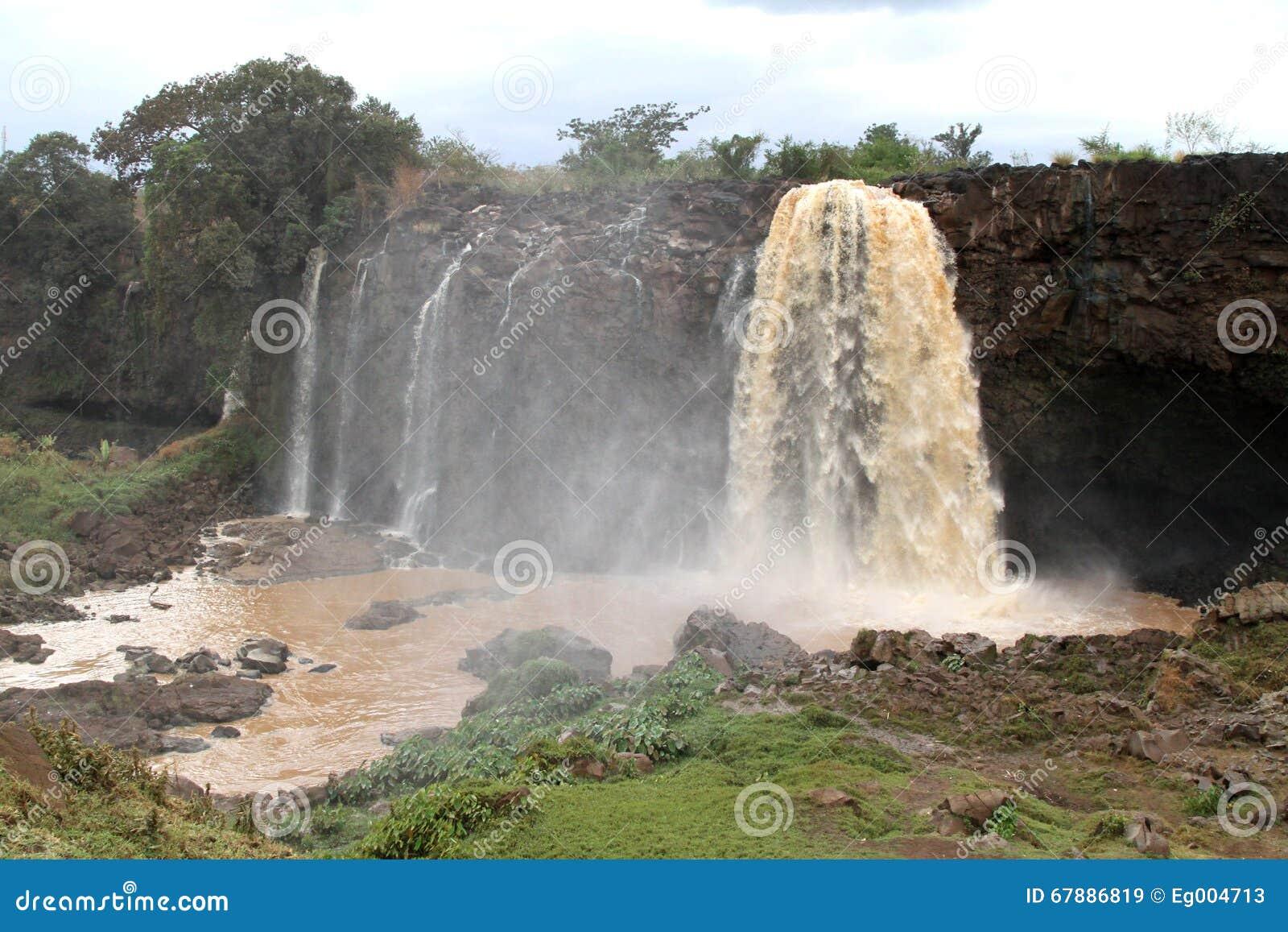 在蓝色尼罗河,埃塞俄比亚的Tiss abay秋天
