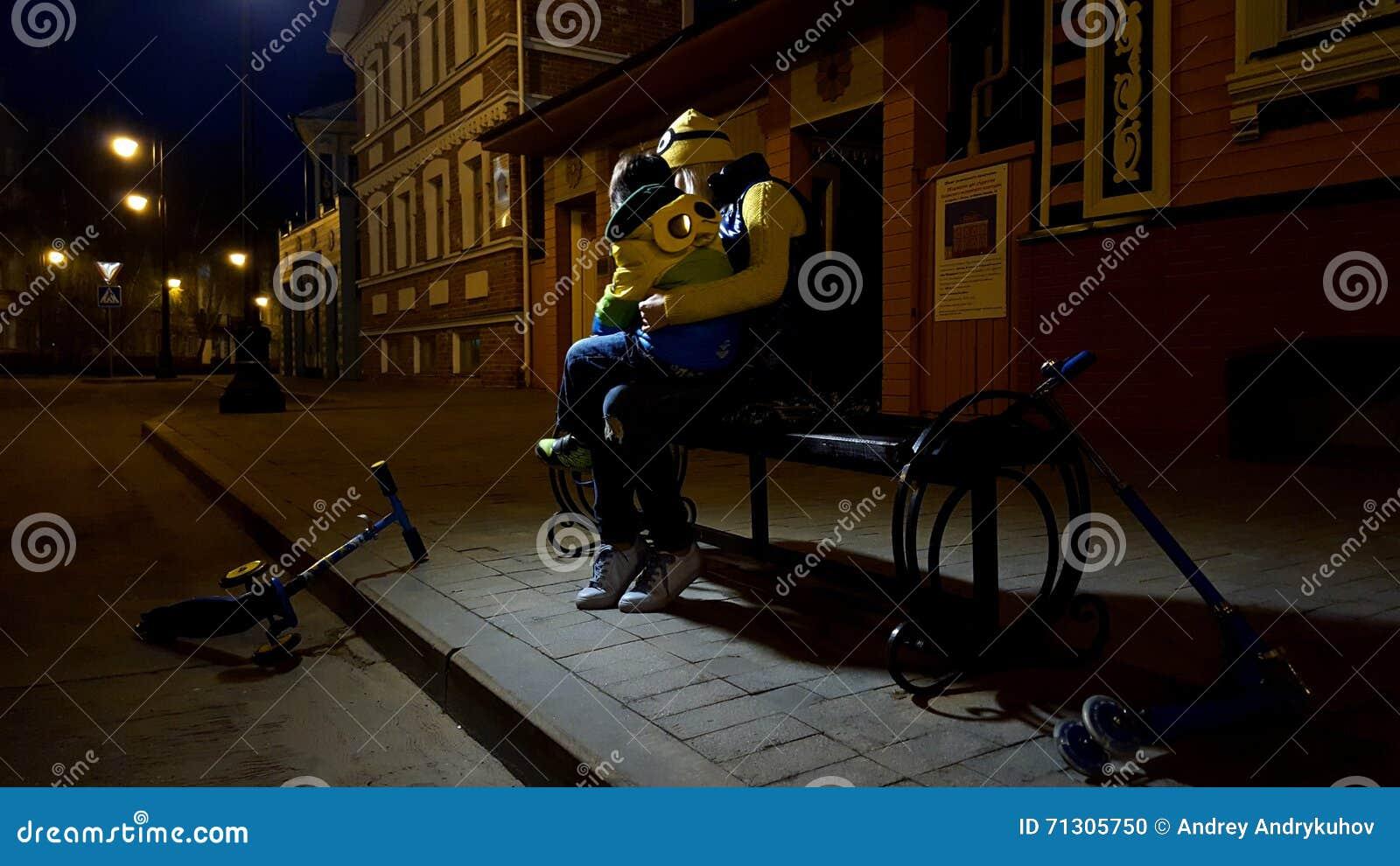 在街道上的夜