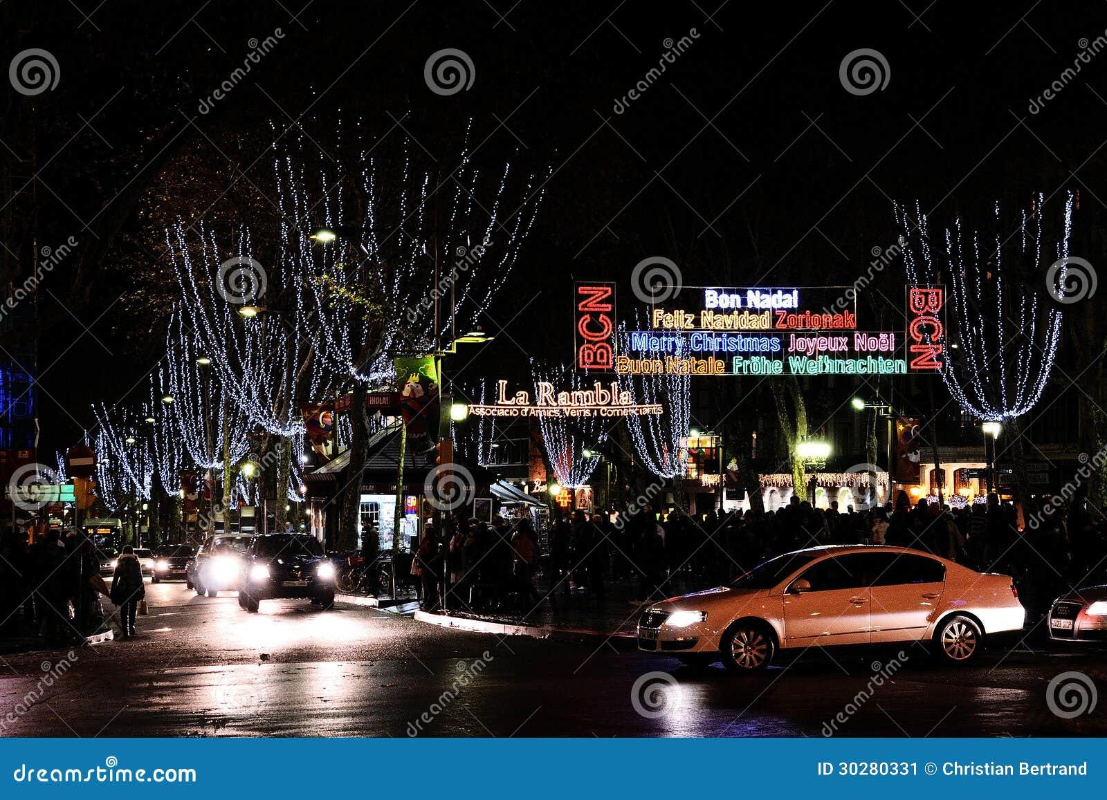 在巴塞罗那街道的圣诞灯