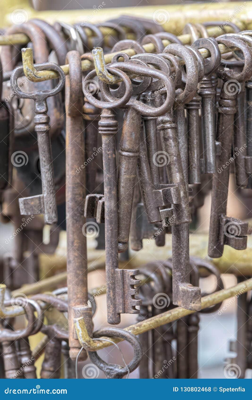 在车库售物的老钥匙